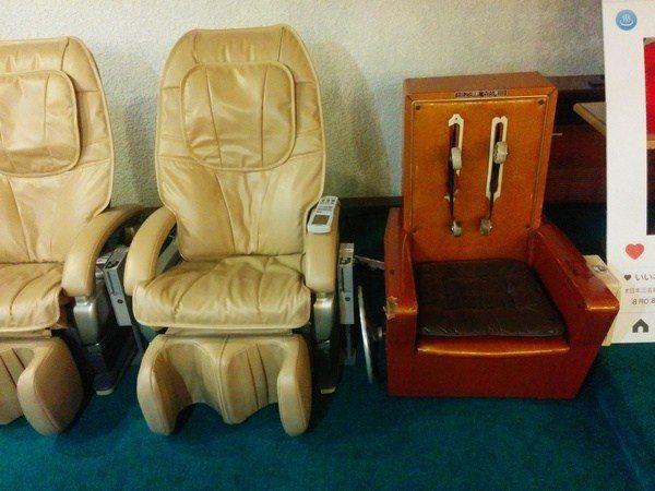Máquina de masaje rudimentaria en Kusatsu