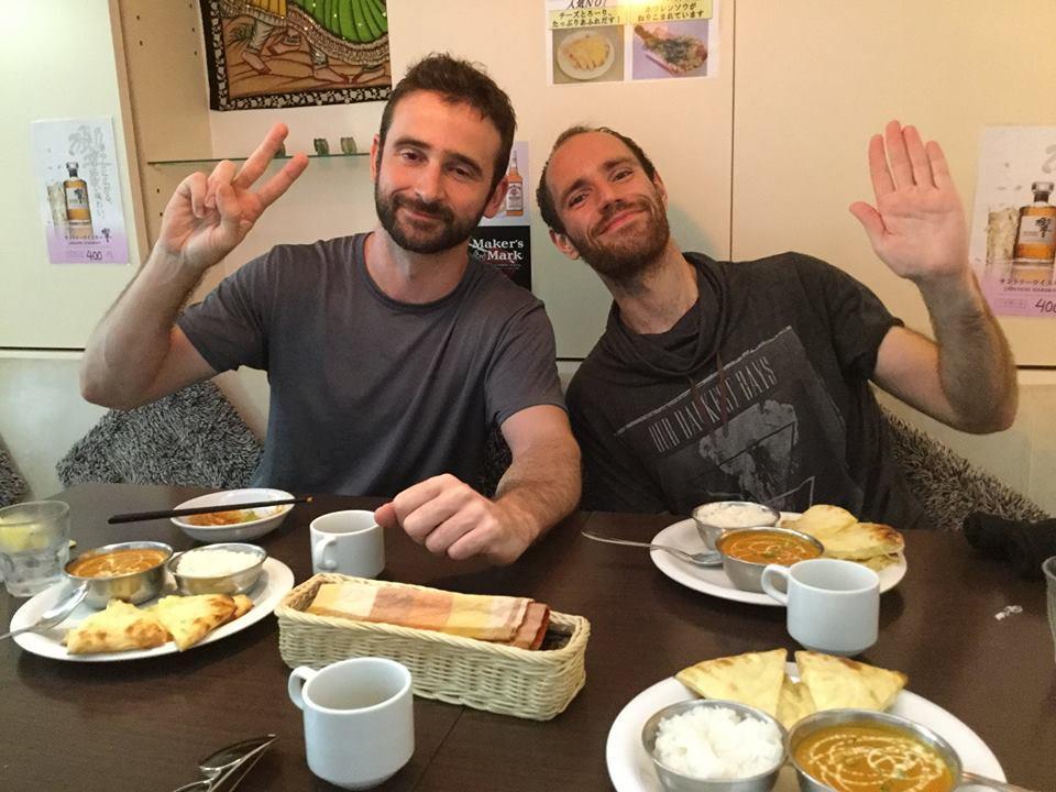 comida con malabarista en japón